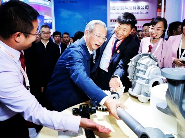 雷竞技官网科技高端铝亮相新动能·青岛展览洽谈会